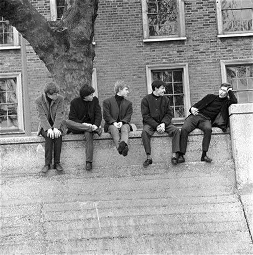 Baby Stones. Sittin' On A Fence