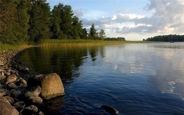 В Суходольское в озеро упал вертолет - http://leninskiy-new.ru/v-suxodolskoe-v-ozero-upal-vertolet/  #новости #свежиеновости #актуальныеновости #новостидня #news