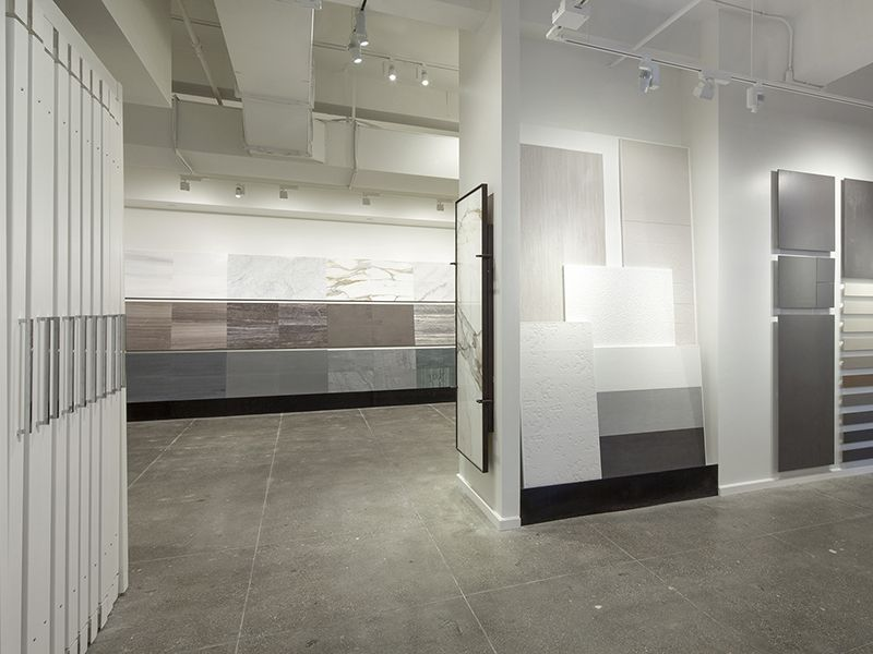 stacked stone/do mirrors instead | Great showrooms | Pinterest ...