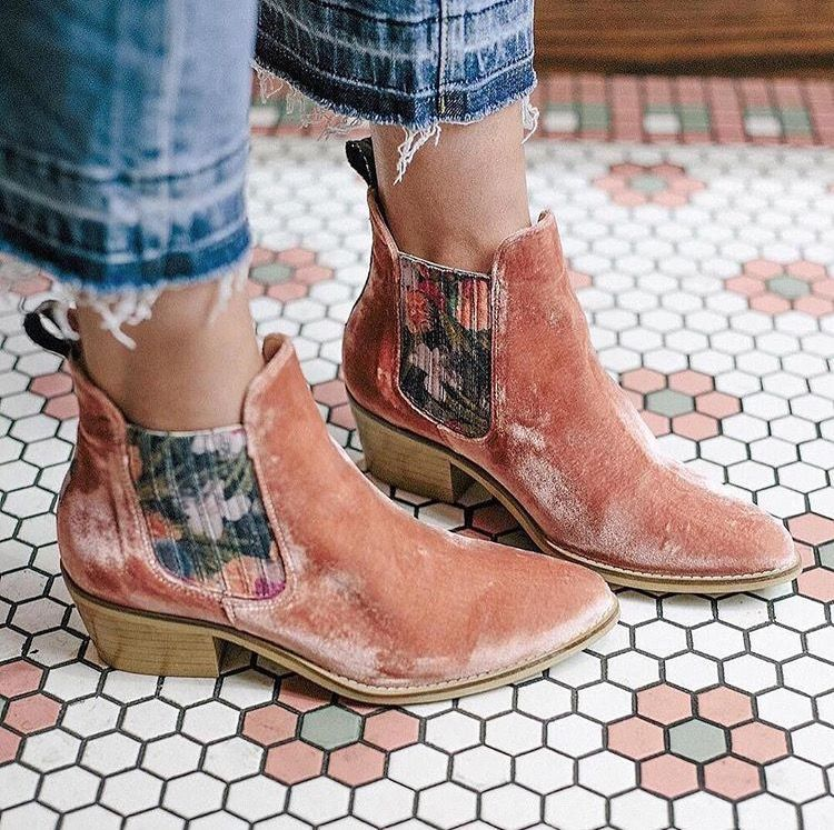 d7e2467f5f8d69 Anthropologie pink velvet and floral booties