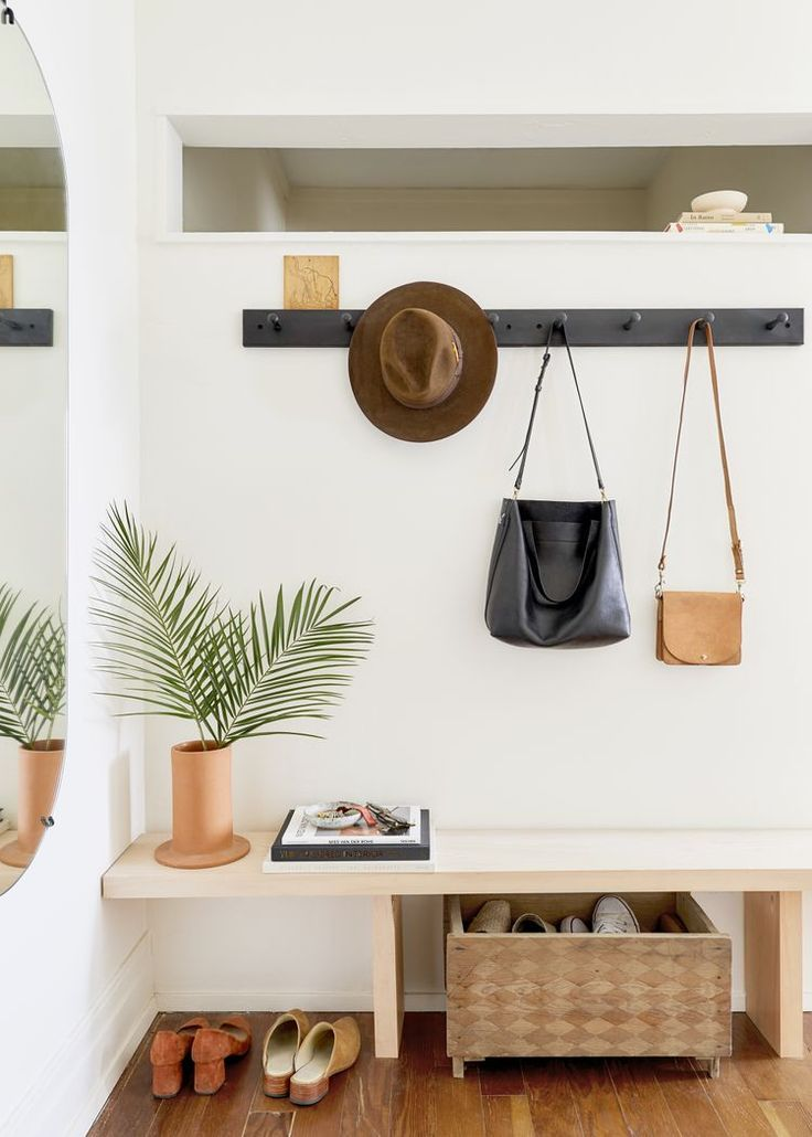 This Small Entryway Furniture Makes a Big Impact (Trust Us