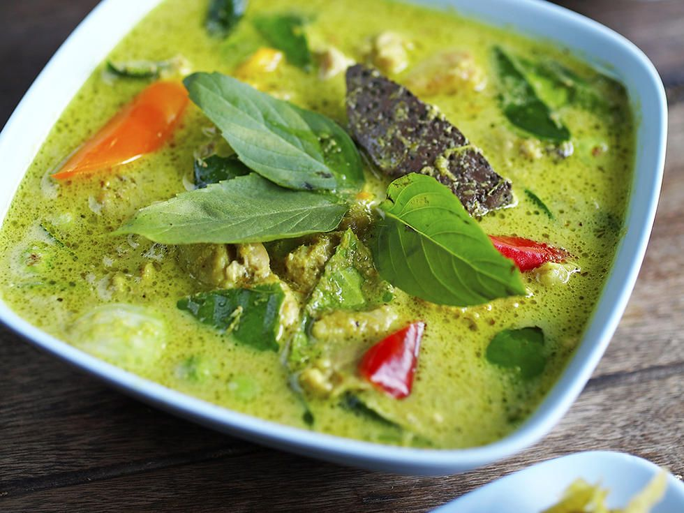 Spicy green curry med kjøttboller