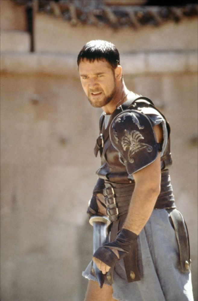 russell crowe garbed as a gladiator in gladiator movie 2000