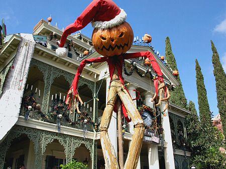 disneyland at halloween h a l l o w e e n Pinterest Haunted