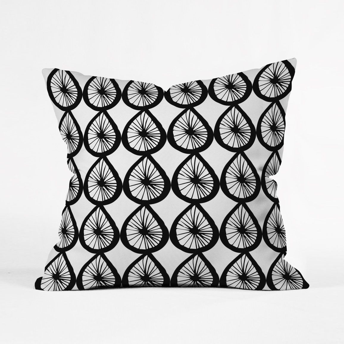 The playful and fun pattern on the wiel pillow cover is a fitting