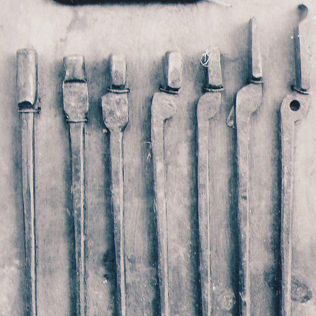 Tong progression by steve parker a blacksmith 39 s tool for Zelf vijverfolie lassen