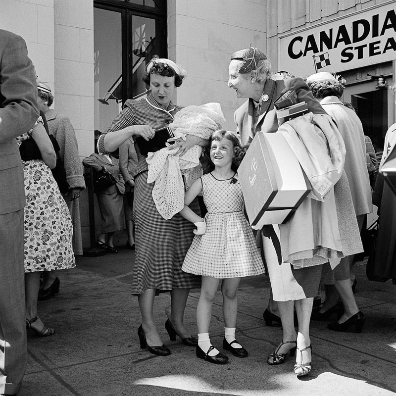 Vivian Maier  -  1950's Canada / Silver Gelatin Print  -  12 x 12 (on 16x20 paper)