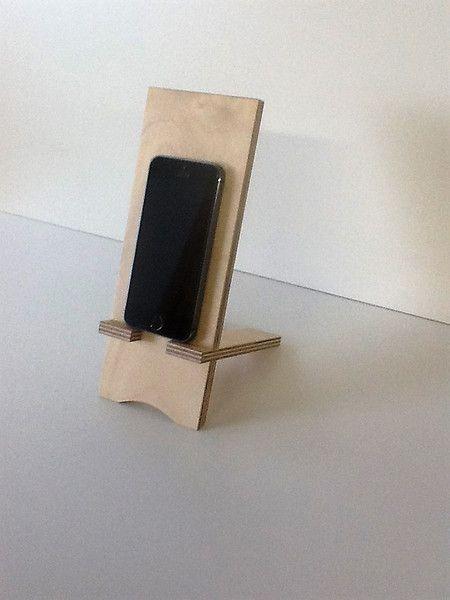 handy zubeh r handyhalter aus holz ein designerst ck. Black Bedroom Furniture Sets. Home Design Ideas
