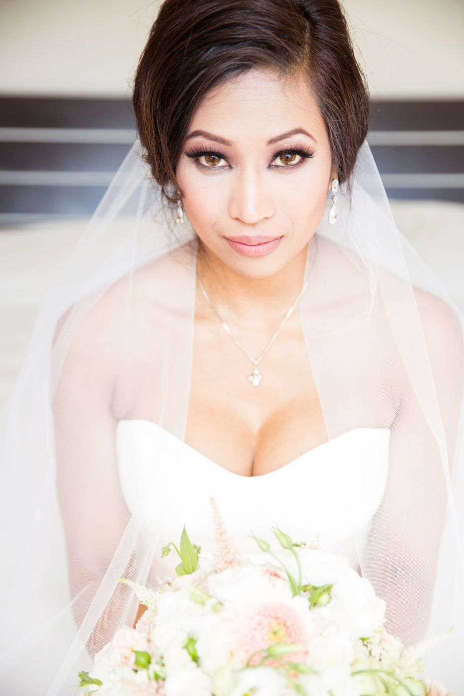 Hayley paige wedding dress veil edmonton wedding photographer bride