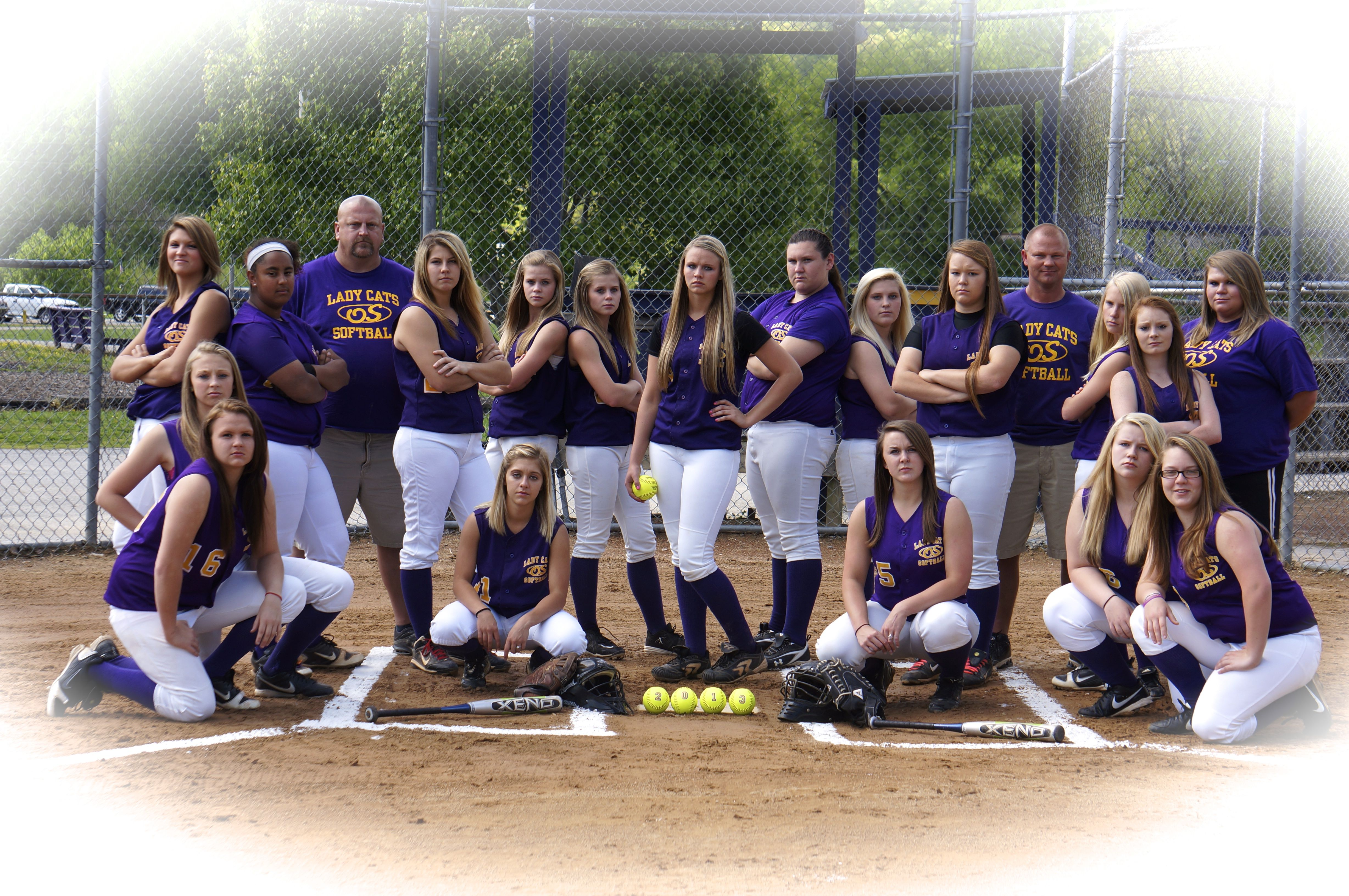 Pin By Tammy Schindler On Photo Ideas Softball Team Pictures Softball Team Sports Team Photography