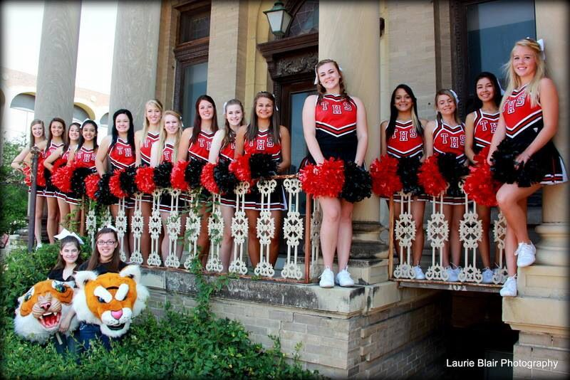 Cheer team photo pose idea from laurie blair photo in