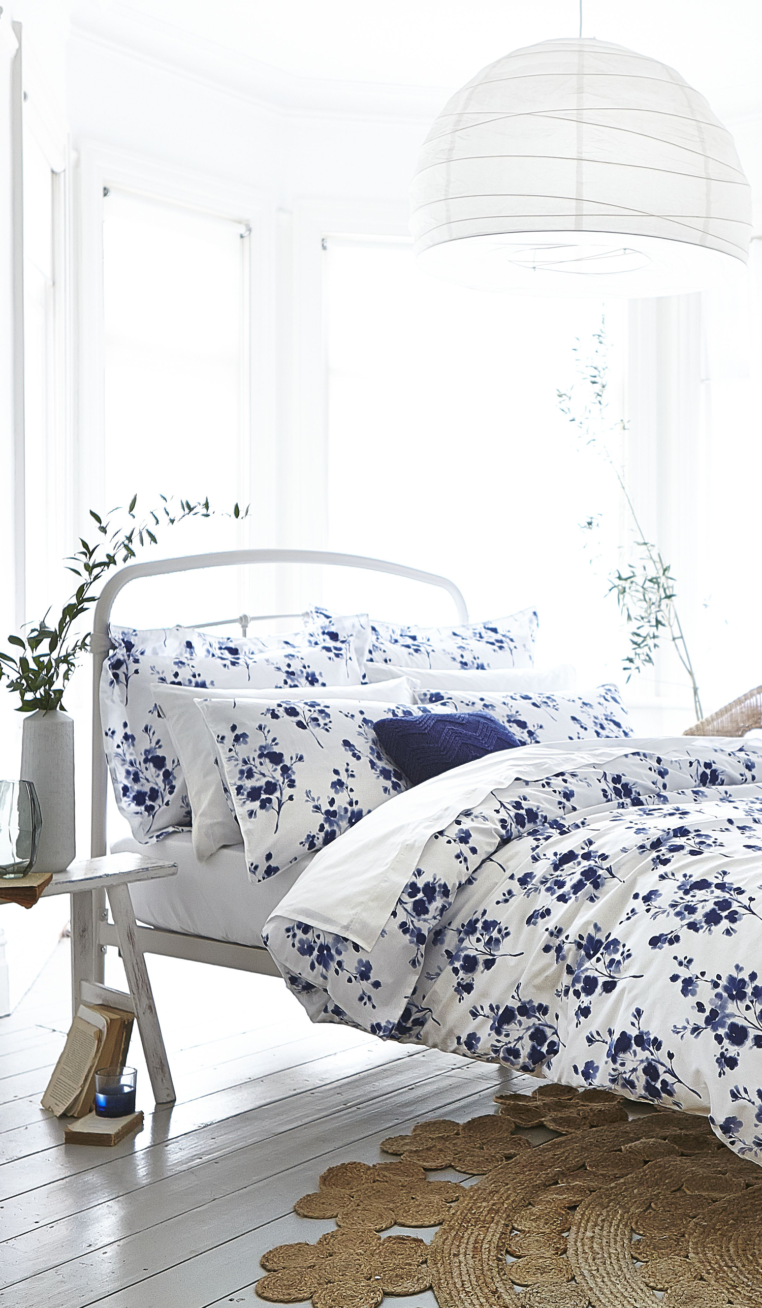 White Duvet Set With Blue Floral Pattern Birthday And Christmas