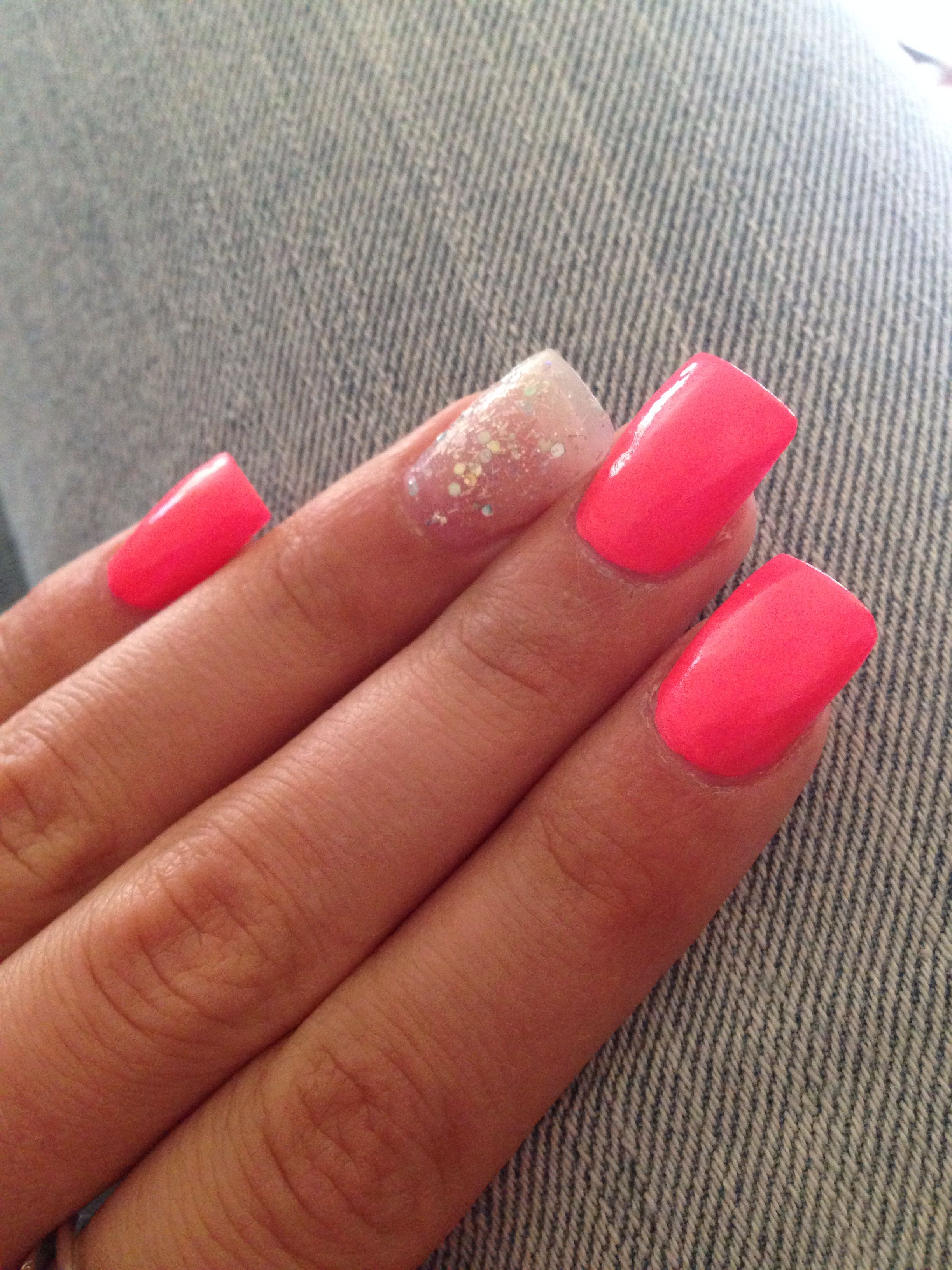 Summer Nails #nails #hotpink #pink #sparkles