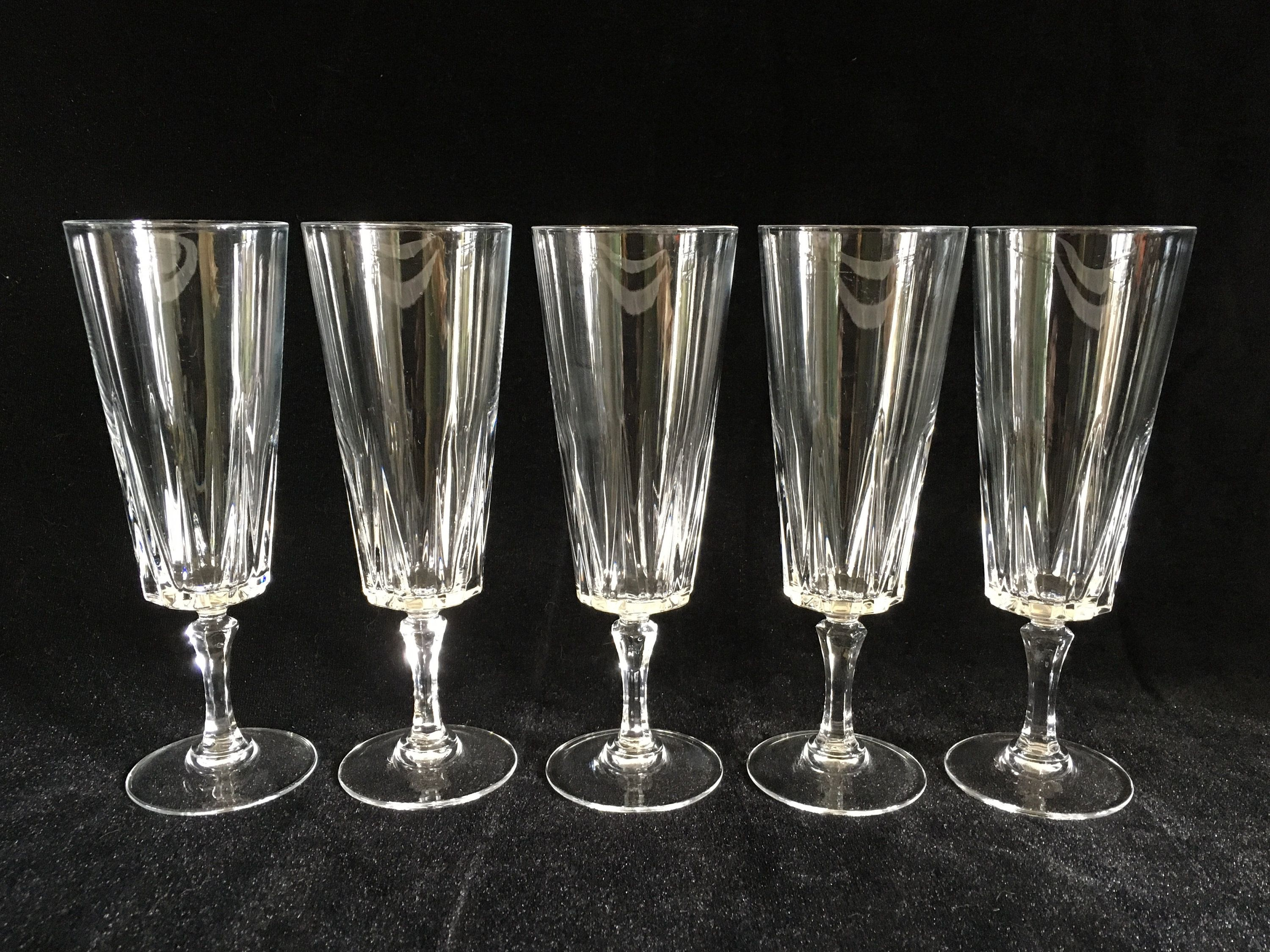 5 Crystal Champagne Glasses Champagne Flutes Ultra Clear Crystal Glass Beautiful Pattern Mid Century Modern Barware 1970 S Vintage Beautiful Etsy