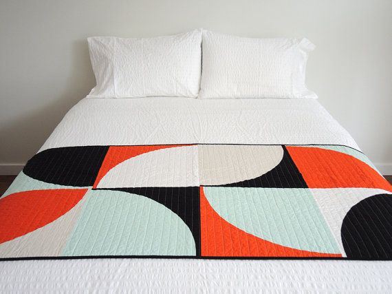 Modern Quilt Graphic Bed Runner Pop Etsy In 2020 Bed Runner Modern Bed Modern Quilts