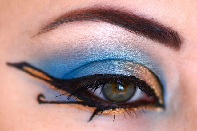oeil maquillage egypte. Egyptian Make,Up. Nice idea for Halloween or  parties ! Plus