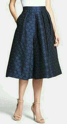 352d7d74b8d1e Faldas de moda 2018 » lindas-faldas-largas-con-bolsas-1