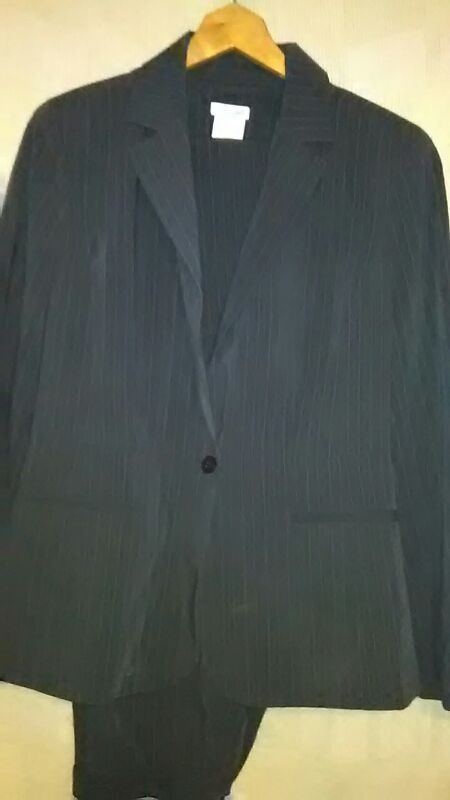 New (never used) - Brand: East 5th Size:10 Contents: Women's pin striped pants suit Color: Grey
