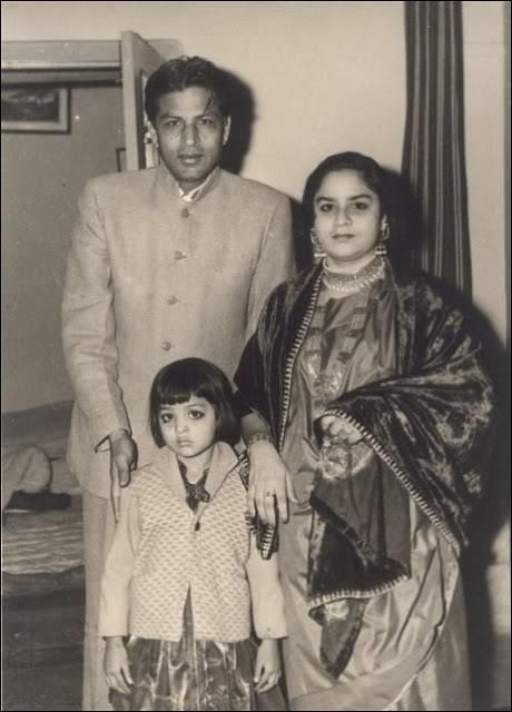 Sharukh Khan's Mother and Father - easy to see who he looks like | Shahrukh  khan family, Shahrukh khan, Bollywood posters