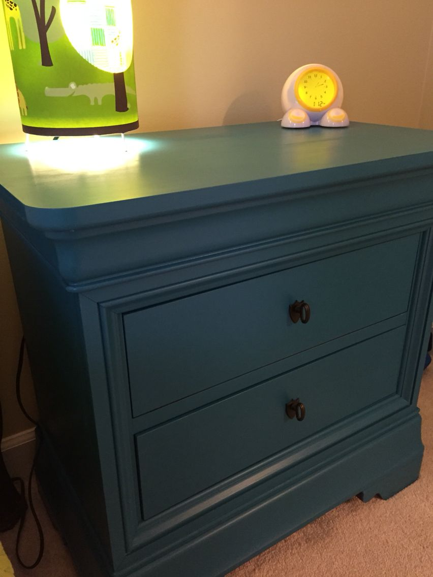 Refinished Bedside Table In Valspar Chalk Paint Sunday Bustle Finished With Minwax Policrylic