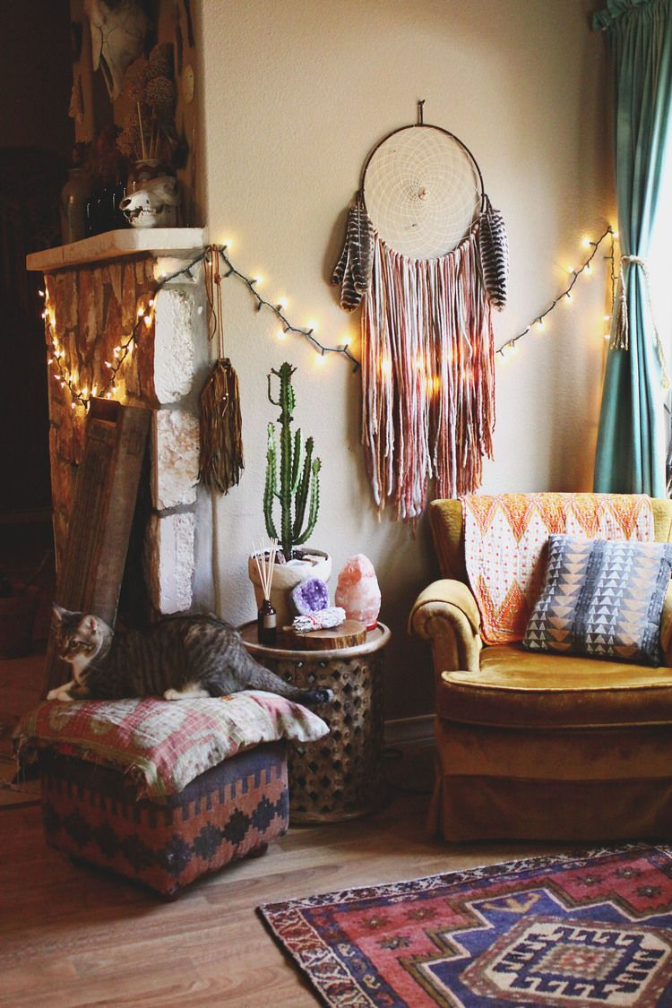 Small Boho Living Room: MY LOVE FOR A BOHO RUG