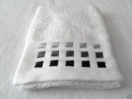 towels black and white