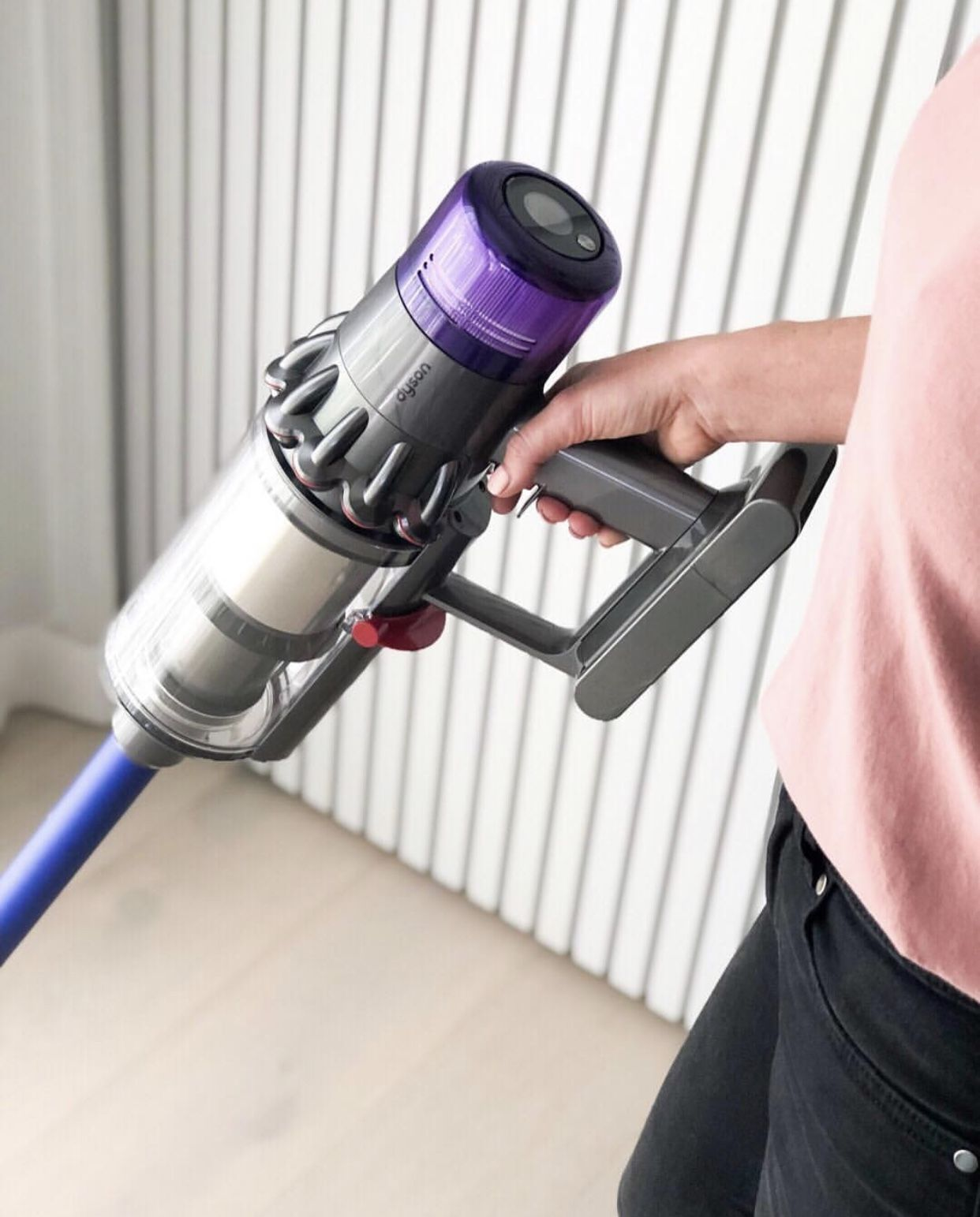 How To Dump Trash Out Of A Dyson V6 Cordless Vacuum?
