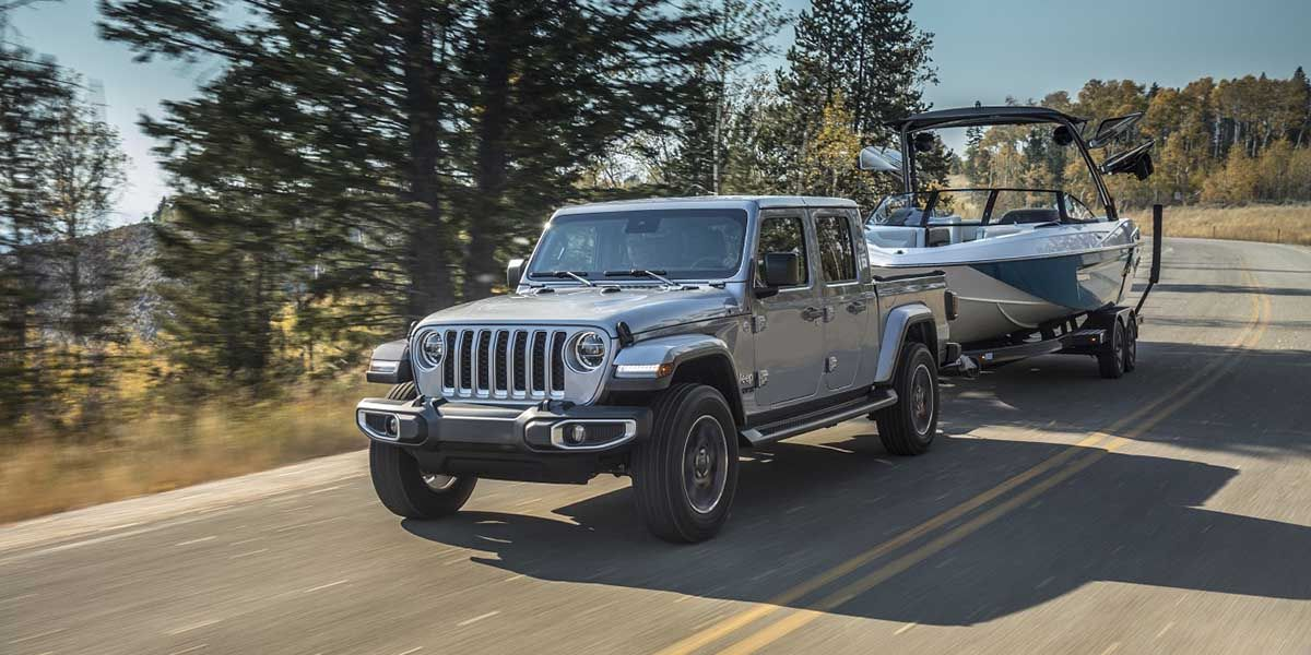 Jeep Gladiator 2020 Muestra Su Poder De Remolque Autoproyecto Jeep Gladiator Jeep Vehiculos Todoterreno