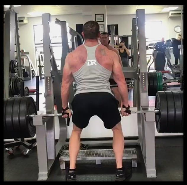 When we were still rocking the gyms💪🏼#beforelockdown Riaan showing us how it's done!👊🏼 What do you m...