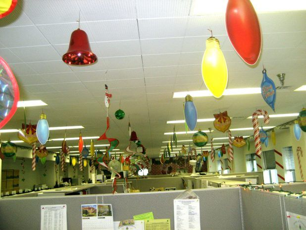 Charming Office Cubicle Christmas Decoration Themes For Competition Office  Christmas Tree Themes