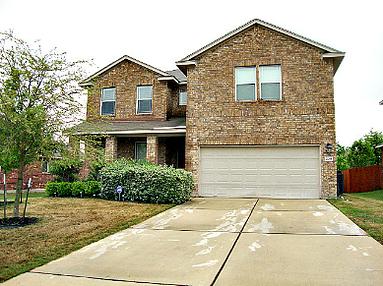 5 bedroom/ 2.5 bath rental home in Kyle TX. Almost 3,000