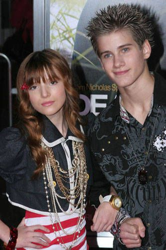 bella thorne dear john movie prem photos | Bella Thorne and Sage Northcutt Photo - Dear John Movie Premiere Photo