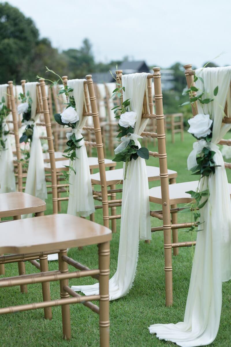 40 Hochzeits Stuhldeko Ideen Fur Das Brautpaar Und Die Trauung Stuhl Dekoration Hochzeit Hochzeit Stuhle Dekoration Hochzeit