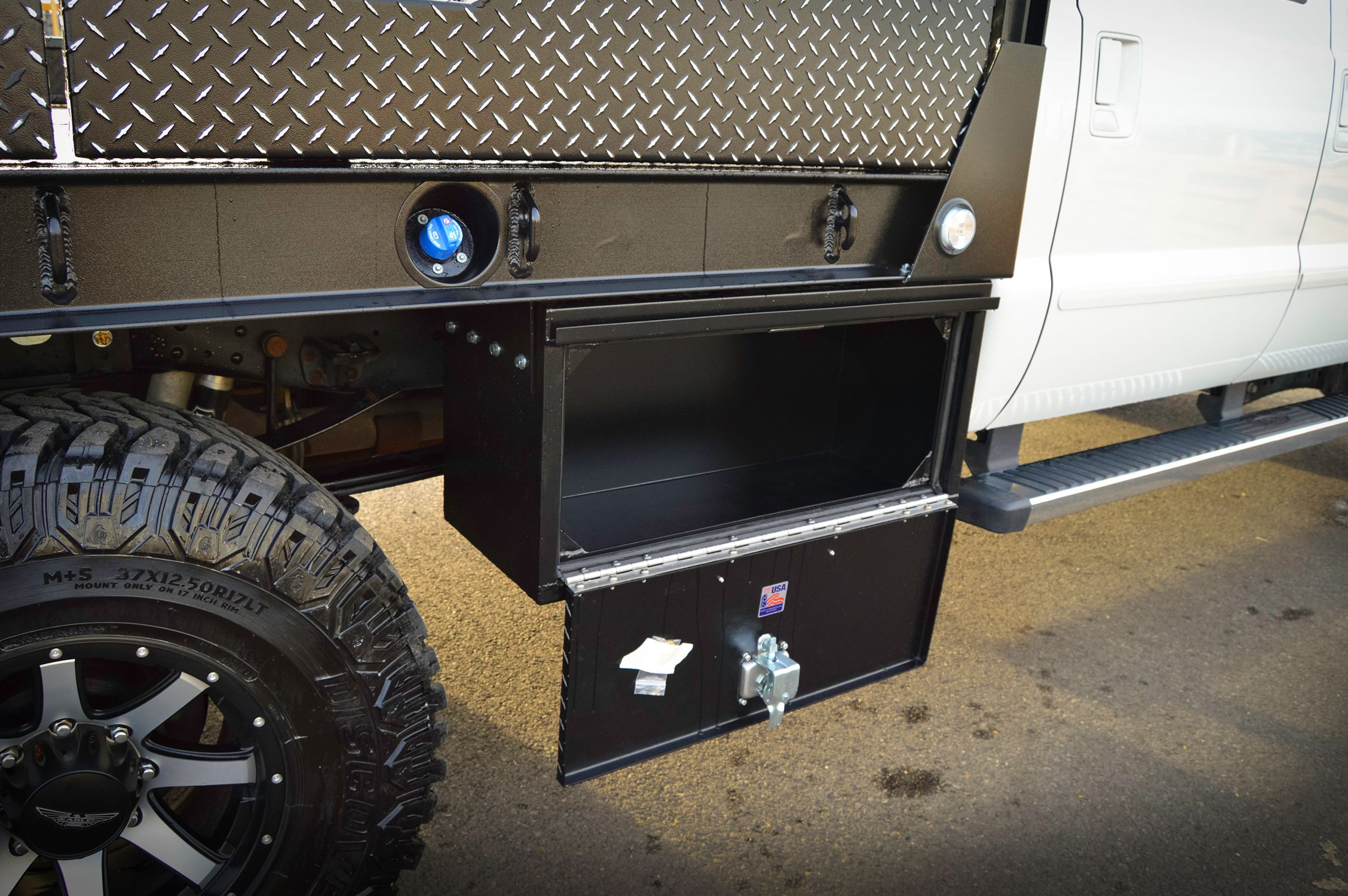 2015 Ford F350 Aluminum Flatbed In Leopard Style Hpi