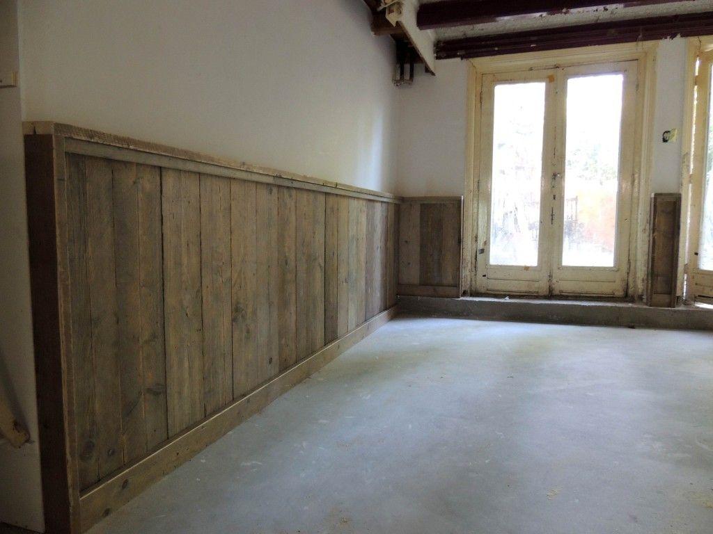 Lambrisering en keukenblok van gebruikt steigerhout meubelmarcker mur pinterest - Deco keuken oud land ...