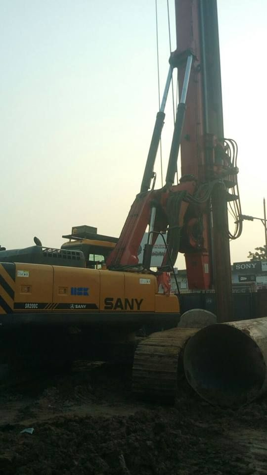 200 piling rig used in India metro project | Earth-moving