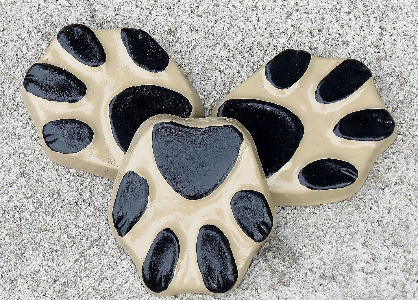 Dog paw print planter feet, Pot feet, Dog print, Yard art, Patio ...