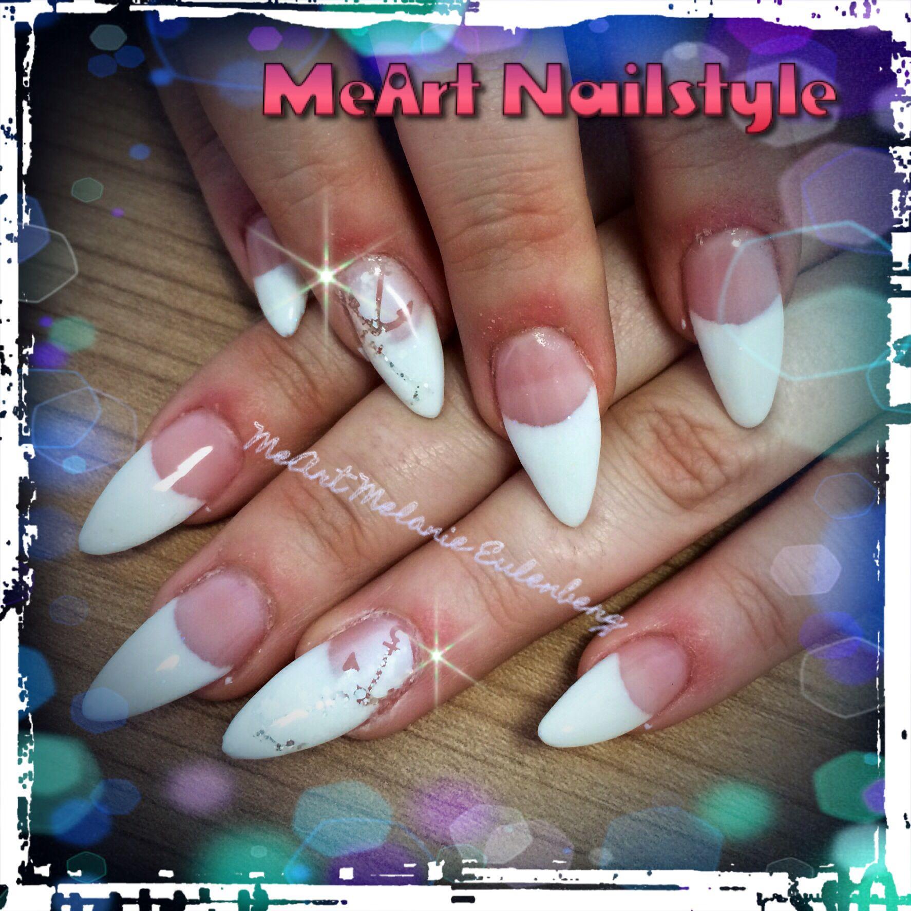 Spitze Nägel mit schlichter weißer Spitze und Ankern   MeArt ...