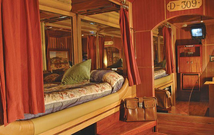 Departamento Vagón La fantasía de un viaje en tren concebida con la calidez de la madera y la elegancia del bronce.        Precio Normal:$ 31.500 Precio Especial:$ 36.500    Precio Normal:$...
