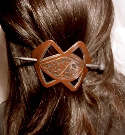 This was like one I wore ion the 70's!  Vintage Leather Barrette Hand Tooled Hair Clip by magicmuti, $14.00