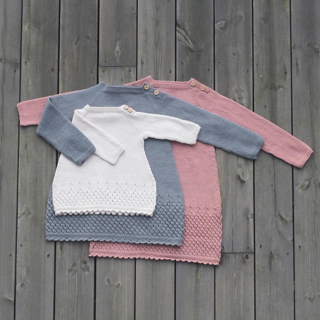 Dolleguri-tunika fra jentestrikk-heftet vårt :) perfekt til norsk sommer ;) #klompelompe #dolleguritunika #klompelompegarn Tunic from our knit for girls booklet :)