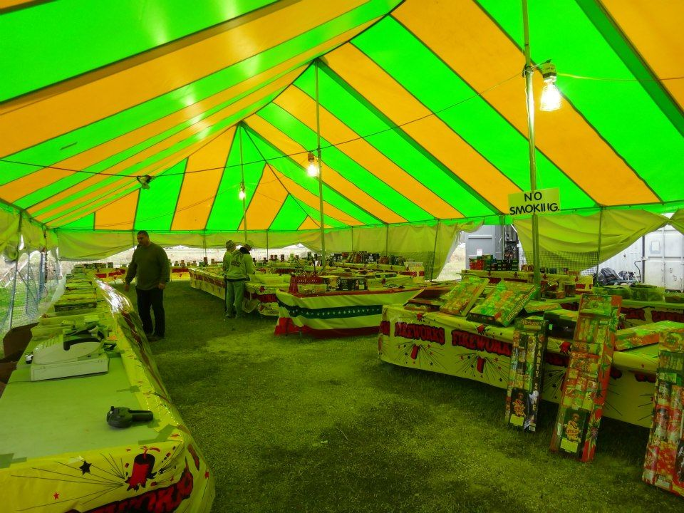 Party tent for sale or rental. Beautiful x rectangle pole tent used for fireworks. & Party tent for sale or rental. Beautiful 40u0027 x 100u0027 rectangle pole ...