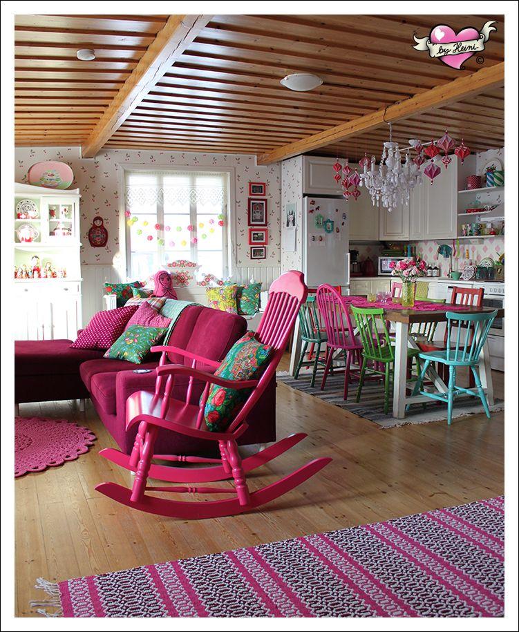 Colorful Mismatched Room: Haukkuojan Elämää In 2019