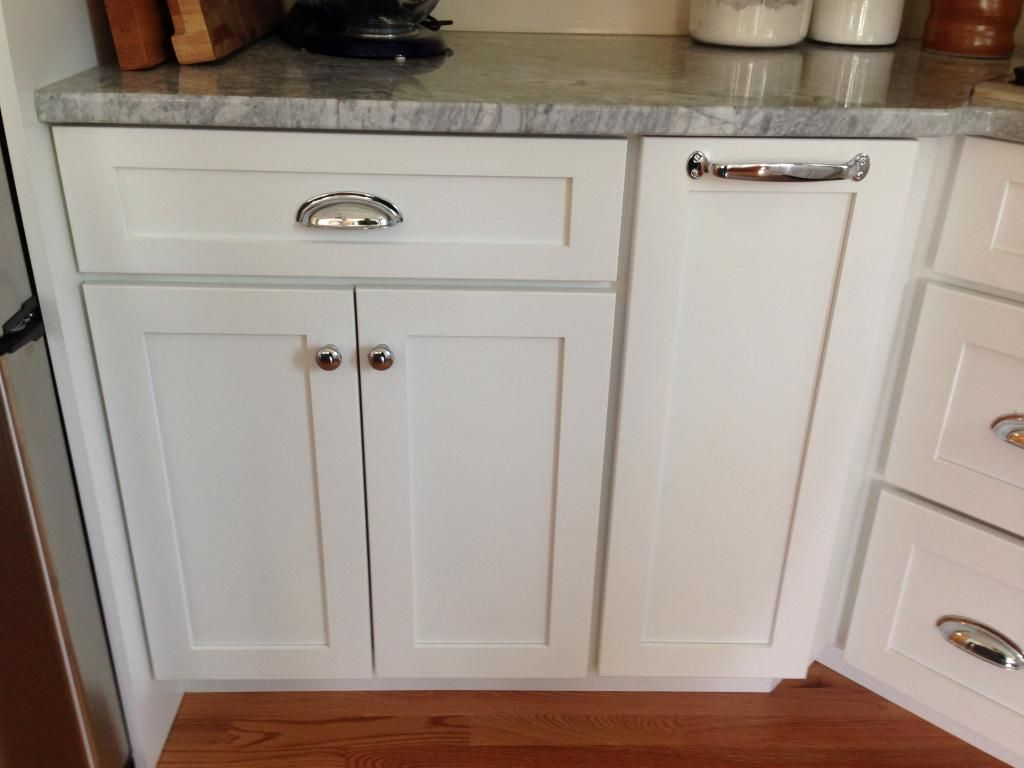 Chrome Handles For Kitchen Cabinets Chrome Fixtures On White Cabinetry Conveys Clean Lines