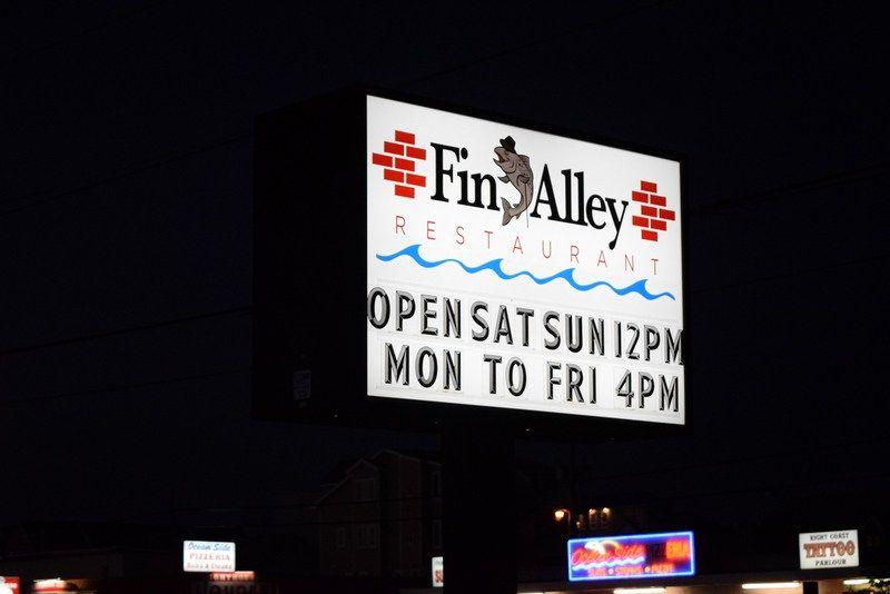 Fin alley restaurant now open in villages of fenwick