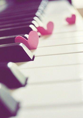 Ik begon toen ik 6 was met piano en speel nog steeds iig wekelijks.