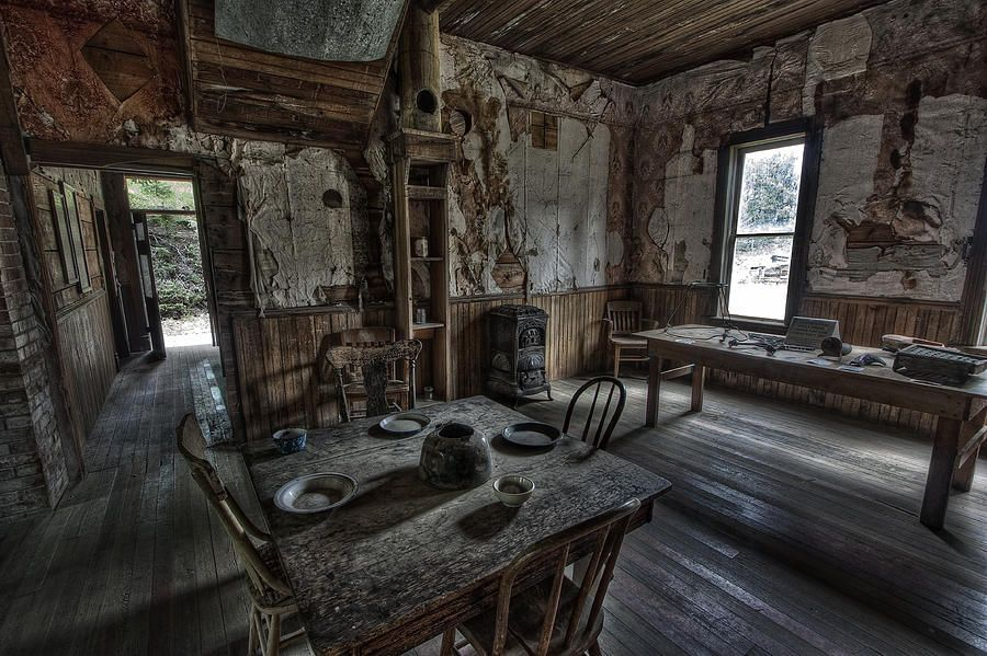 Ever Wanted To Live In A Ghost Town And Get Paid