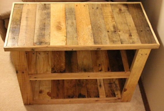 Side Table made from Shipping Pallets \u2022 interior \u2022 Pinterest