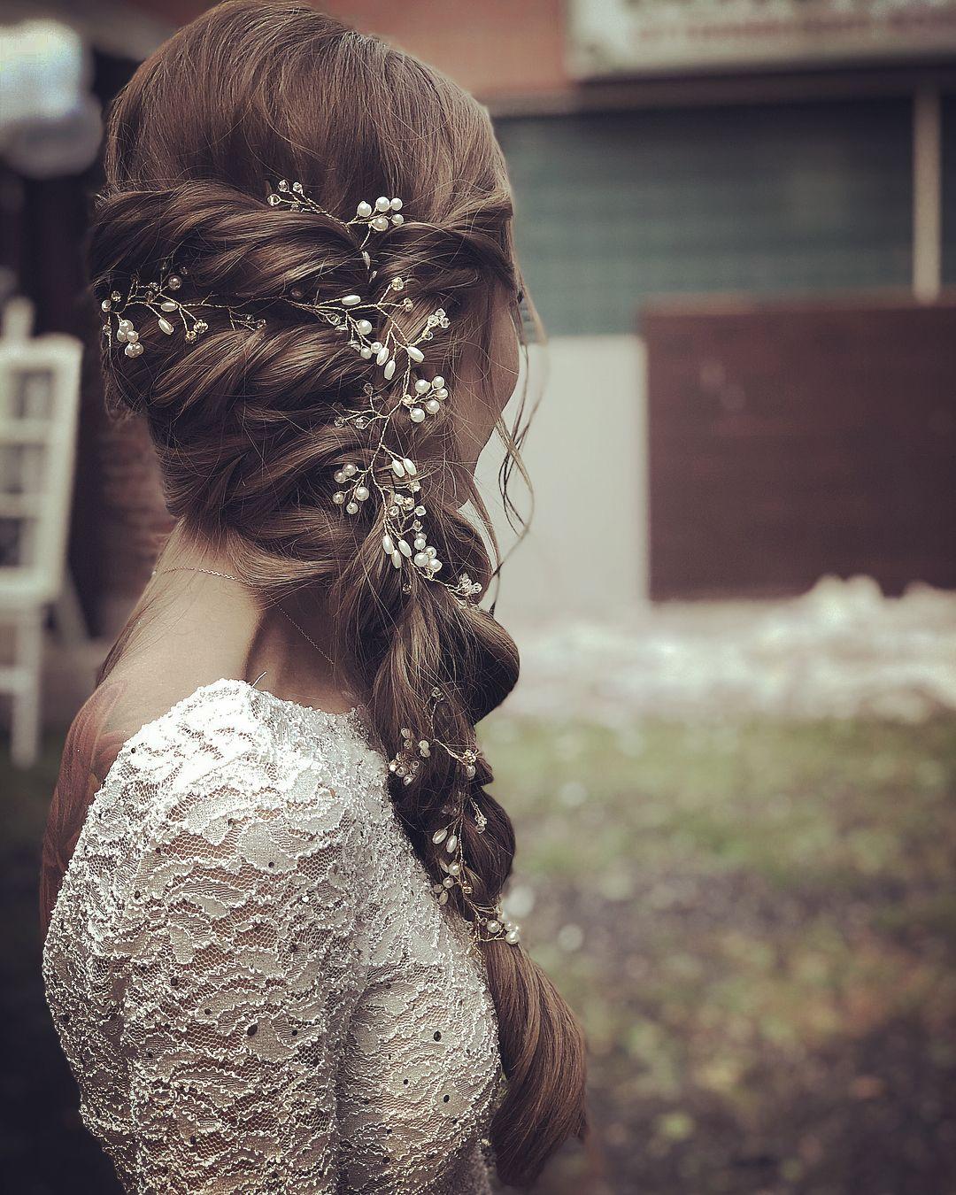Peinado de novia medio abierto para cabello largo – 30 ideas – caja de boda
