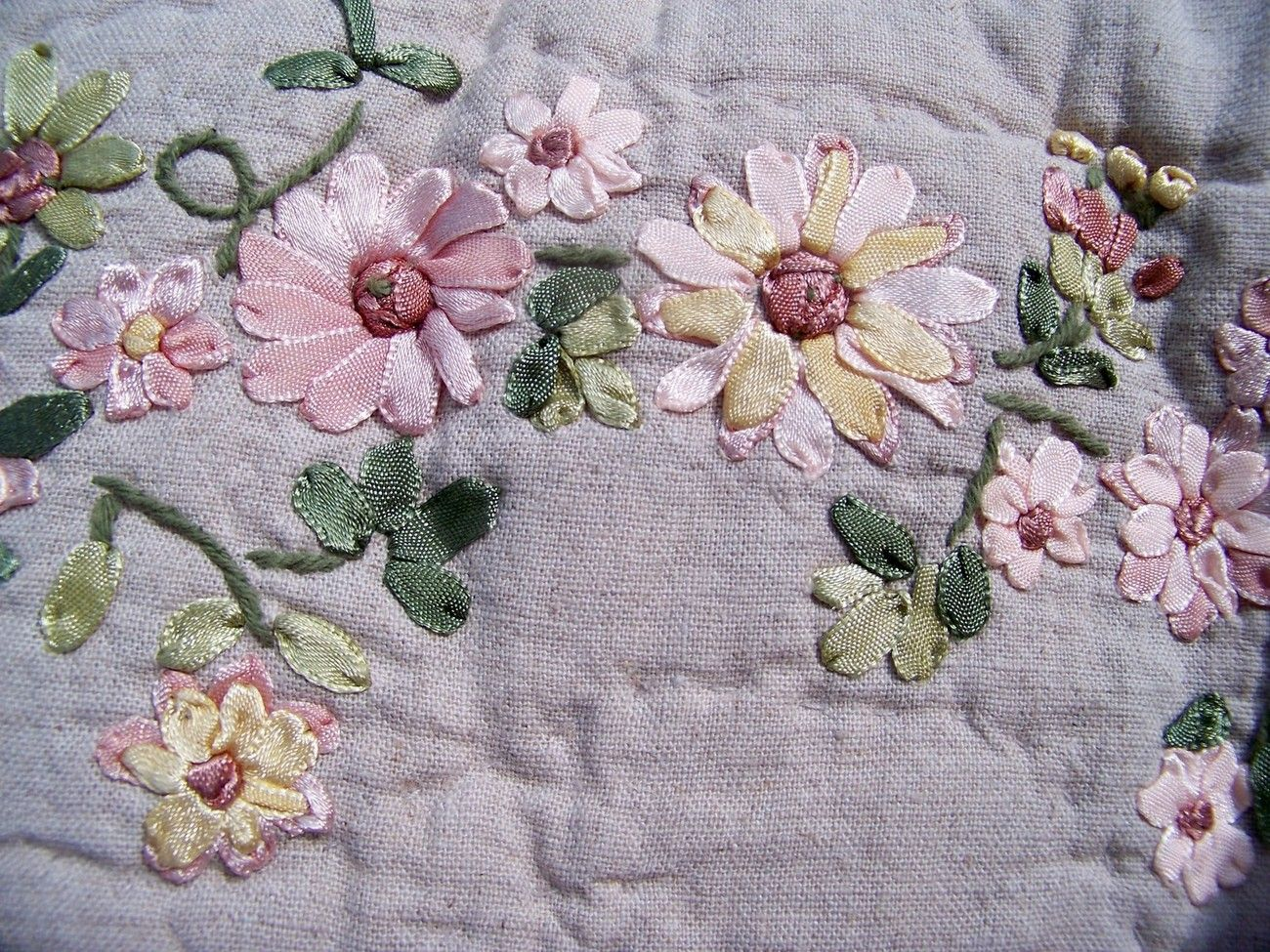 Ribbon embroidery bedspread designs - Sold Quilt Coverlet Bedspread Ribbon Embroidery Luxury Oversize Twin Size Fine Co